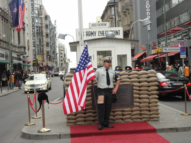 Checkpoint Charlie | Berlin | being30.com