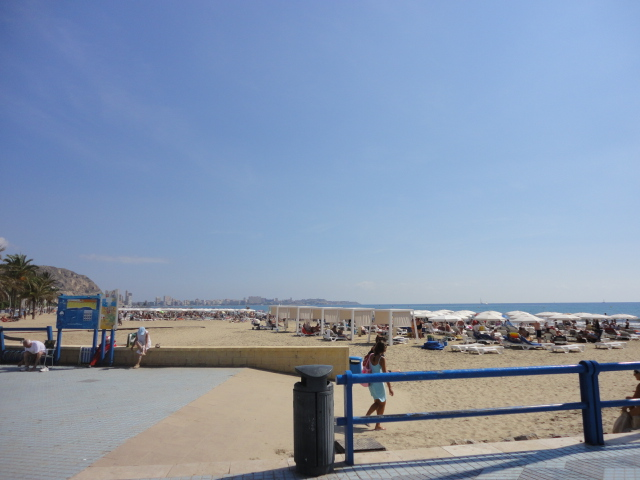 The beach - Going out in Alicante - being30.com