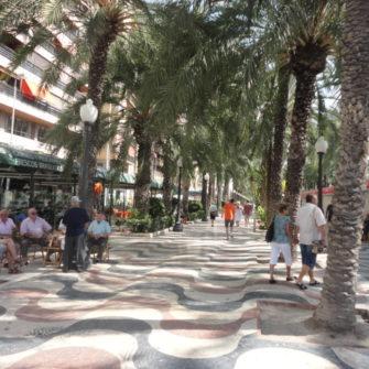 Avenida Espana - Going out in Alicante - being30.com