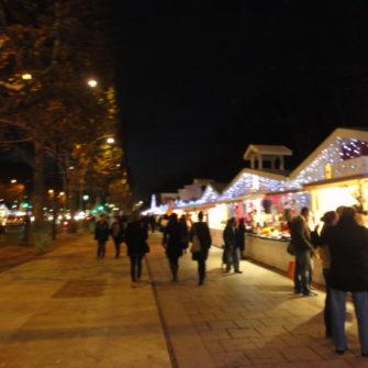 Paris on a budget - Christmas market - being30.com