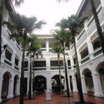 Weekend in Singapore - Raffles Courtyard - being30.com
