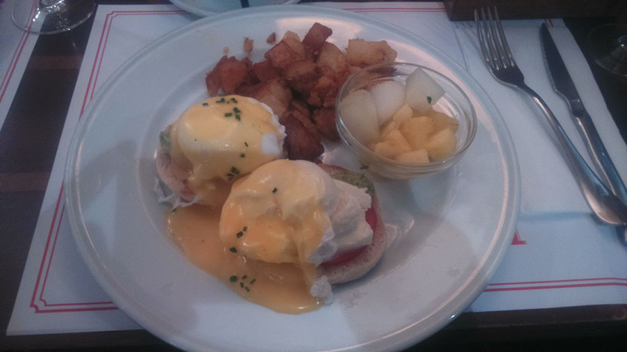 Brunch Benedict Eggs
